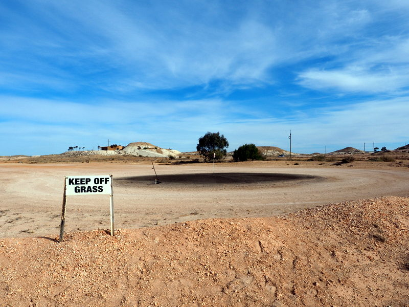 Golf humour in Coober Pedy