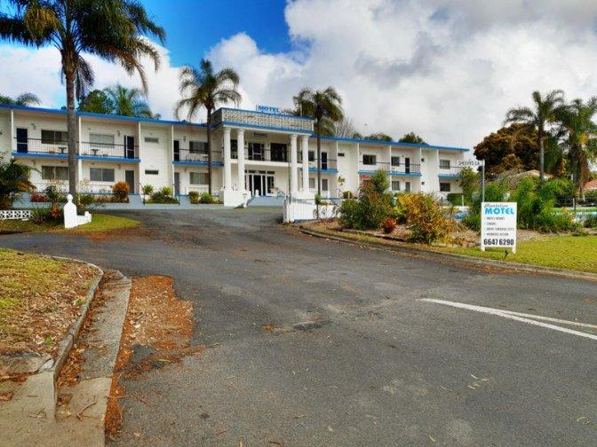 The impressive Plantation Motel