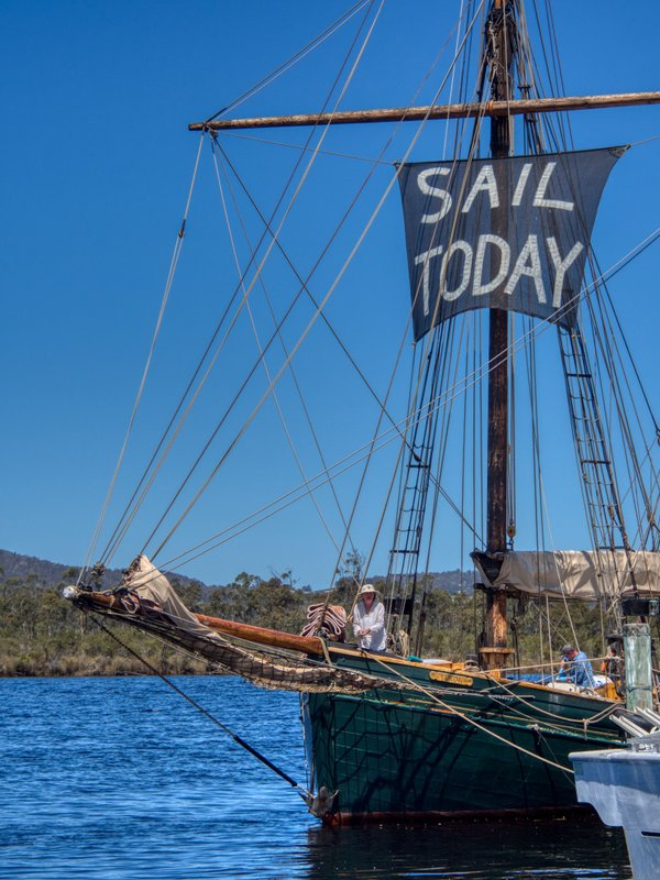 Sailboat cruise up the Huon River